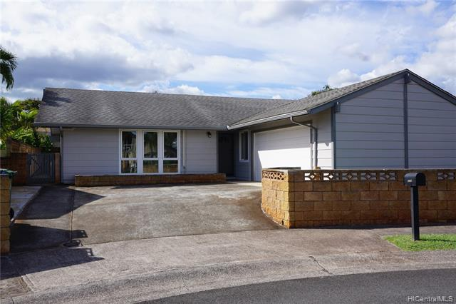 Photo of home for sale at 94-291 Leleu Place, Mililani HI