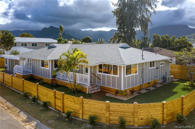 Photo of home for sale at 467 Lanae Way, Kailua HI