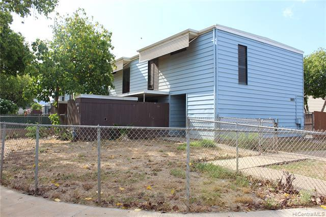 Photo of home for sale at 87-2143 Helelua Place, Waianae HI