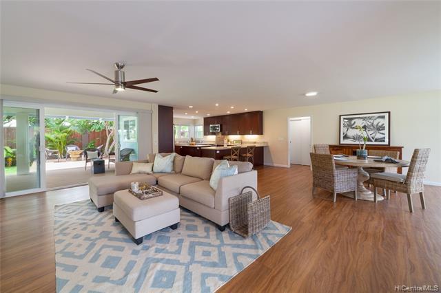 Photo of home for sale at 55 Mahiloa Place, Kailua HI