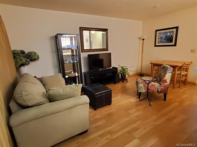 Photo of home for sale at 95-1023 Kaapeha Street, Mililani HI