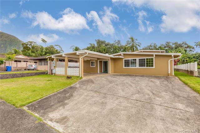 Photo of home for sale at 46-329 Kumoo Loop, Kaneohe HI