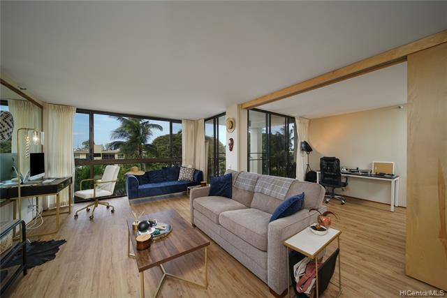 Photo of home for sale at 322 Aoloa Street, Kailua HI