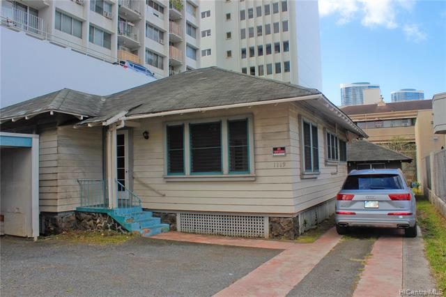 Photo of home for sale at 1119 Young Street, Honolulu HI