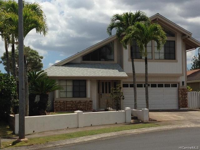 Photo of home for sale at 95-1007 Ahea Street, Mililani HI