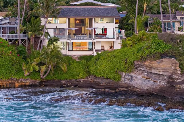 Photo of home for sale at 60 Hanapepe Loop, Honolulu HI