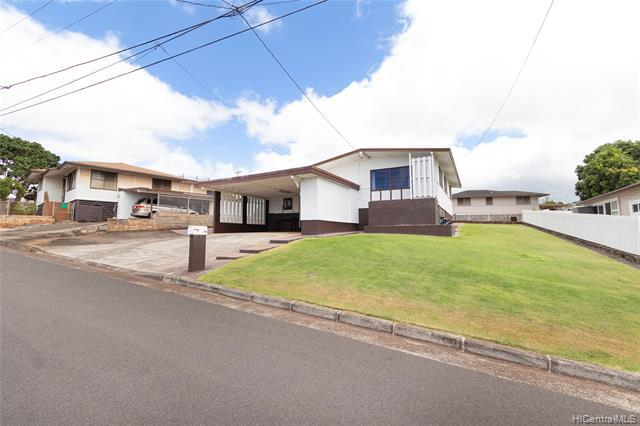 Photo of home for sale at 942 Upalu Street, Pearl City HI