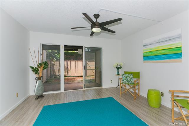 Photo of home for sale at 94-1472 Lanikuhana Avenue, Mililani HI