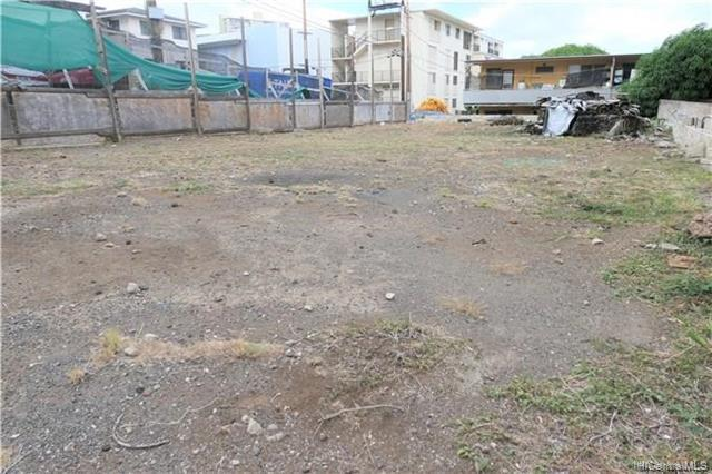 Photo of home for sale at 1427 Ernest Street, Honolulu HI