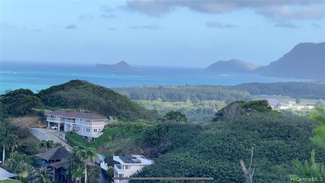 Photo of home for sale at 1440 Auwaiku Street, Kailua HI