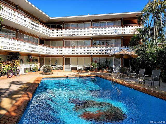 Photo of home for sale at 1427 Alexander Street, Honolulu HI