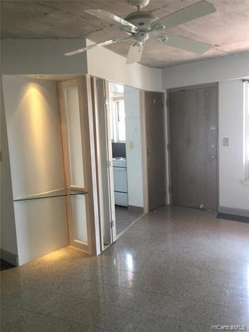 Photo of home for sale at 2118 Kuhio Avenue, Honolulu HI