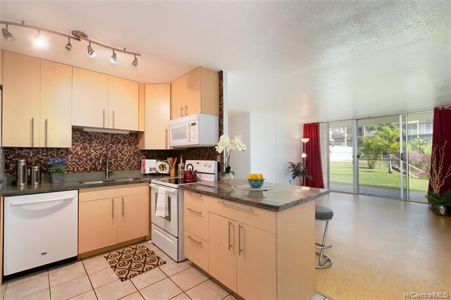 Photo of home for sale at 95-2048 Waikalani Place, Mililani HI
