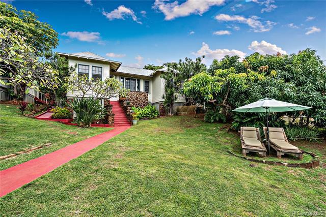 Photo of home for sale at 3738B Manini Way, Honolulu HI