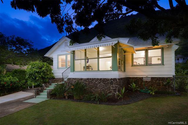 Photo of home for sale at 3044 Manoa Road, Honolulu HI
