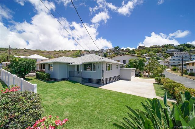 Photo of home for sale at 1441 16th Avenue, Honolulu HI