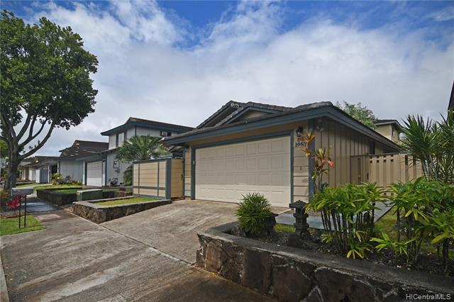 Photo of home for sale at 94-1449 Okupu Street, Waipahu HI