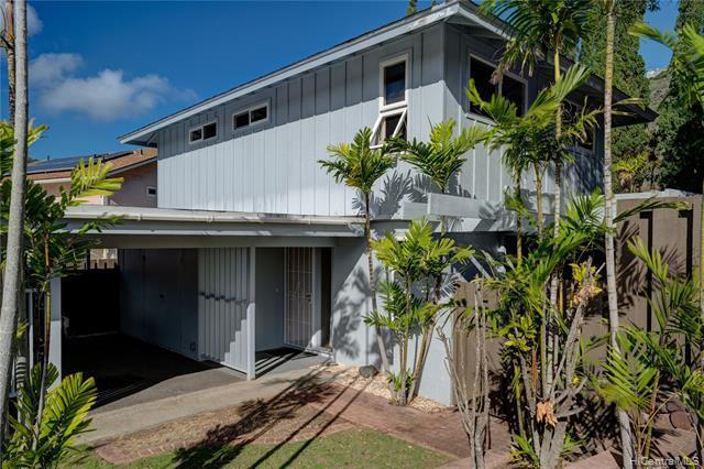 Photo of home for sale at 843 Maniniholo Street, Honolulu HI