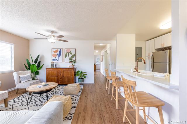 Photo of home for sale at 95-1017 Kaapeha Street, Mililani HI
