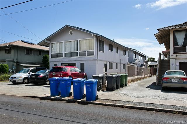Photo of home for sale at 3415 Harding Avenue, Honolulu HI