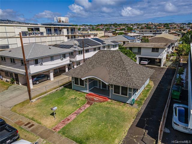 Photo of home for sale at 719 Makaleka Avenue, Honolulu HI