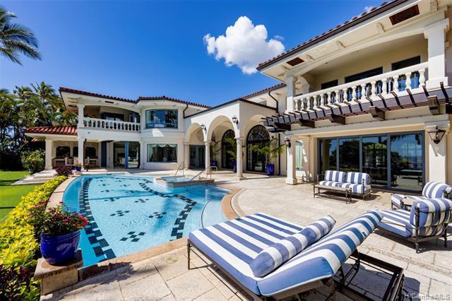 Photo of home for sale at 1103 Kaimoku Place, Honolulu HI