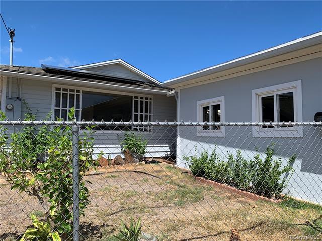 Photo of home for sale at 3132 Kaimuki Avenue, Honolulu HI
