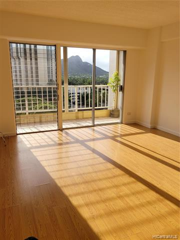 Photo of home for sale at 303 Liliuokalani Avenue, Honolulu HI