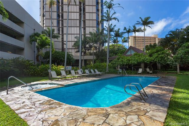 Photo of home for sale at 930 Kaheka Street, Honolulu HI