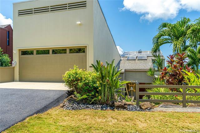 Photo of home for sale at 46-201 Lilipuna Road, Kaneohe HI