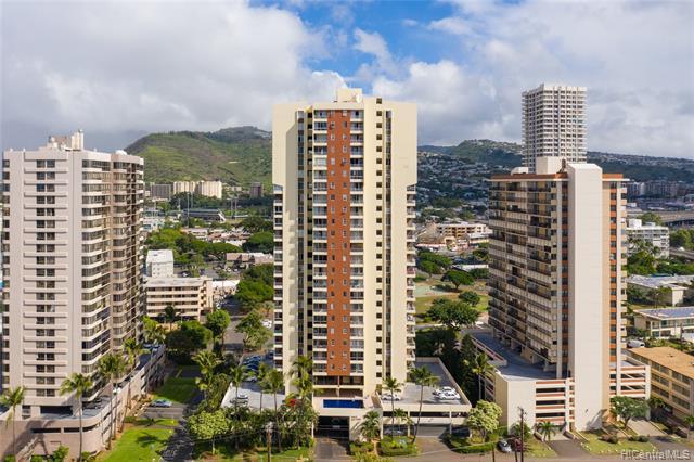 Photo of home for sale at 2740 Kuilei Street, Honolulu HI