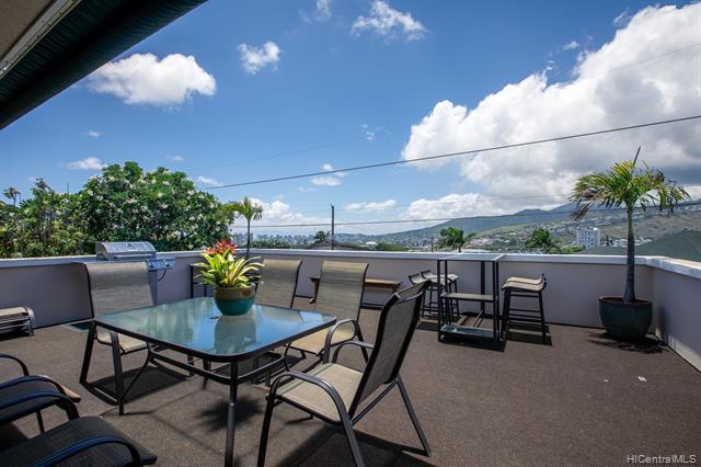 Photo of home for sale at 911 Koko Head Avenue, Honolulu HI