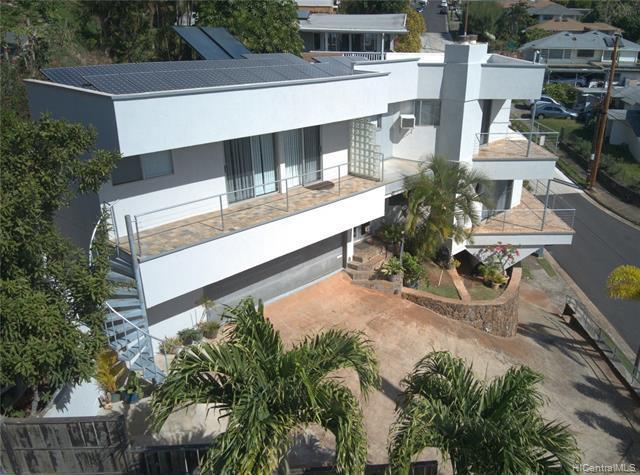Photo of home for sale at 2002 Oswald Street, Honolulu HI
