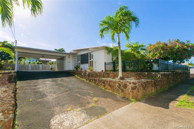 Photo of home for sale at 1569 Lehia Street, Honolulu HI