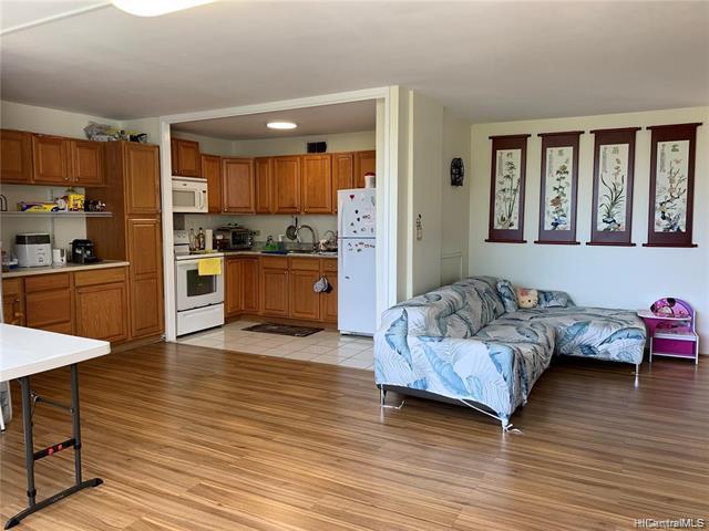 Photo of home for sale at 1400 Pensacola Street, Honolulu HI