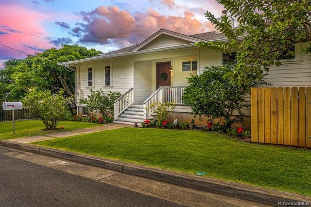 Photo of home for sale at 3106 Lanikaula Street, Honolulu HI