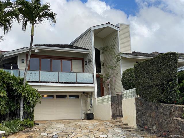 Photo of home for sale at 670 Kaulana Place, Honolulu HI