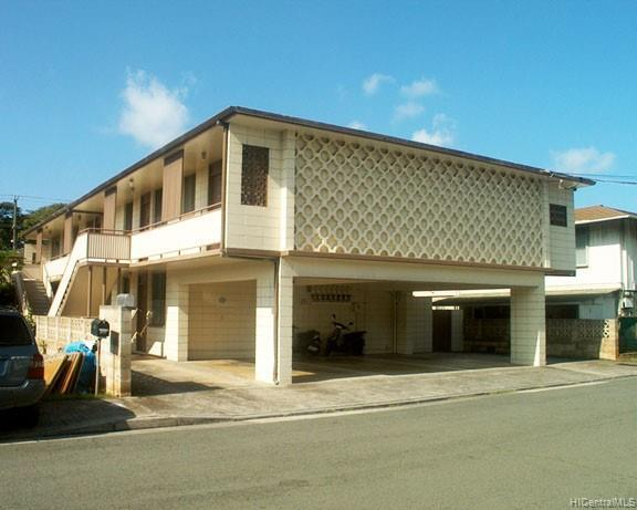Photo of home for sale at 2815 Kihei Place, Honolulu HI