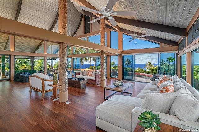 Photo of home for sale at 9 Lumahai Street, Honolulu HI