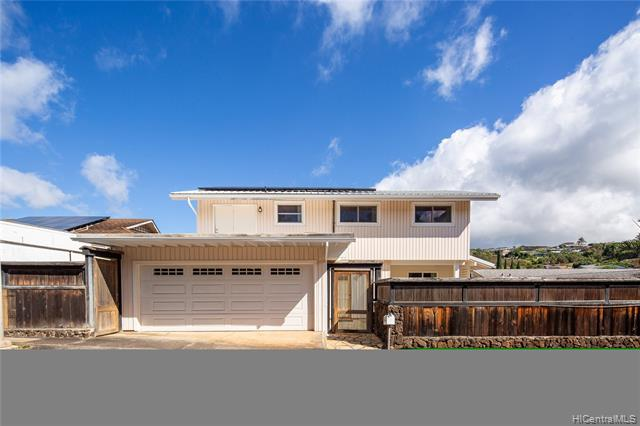 Photo of home for sale at 99-121 Kaamilo Street, Aiea HI