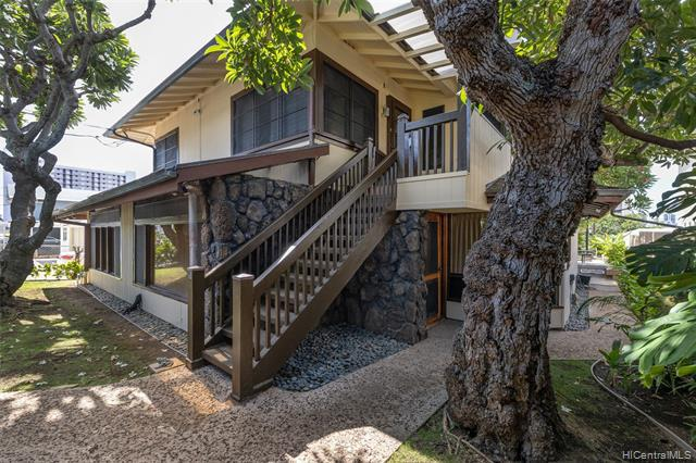 Photo of home for sale at 1311 Dominis Street, Honolulu HI