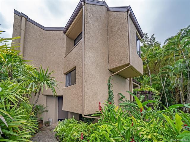 Photo of home for sale at 46-359 Haiku Road, Kaneohe HI