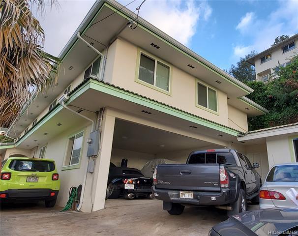 Photo of home for sale at 1552 Laumaile Street, Honolulu HI