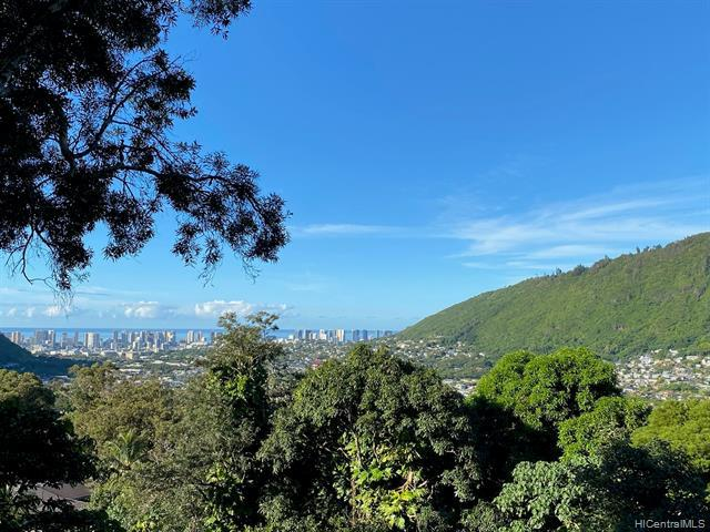Photo of home for sale at 3694 Woodlawn Terrace Place, Honolulu HI