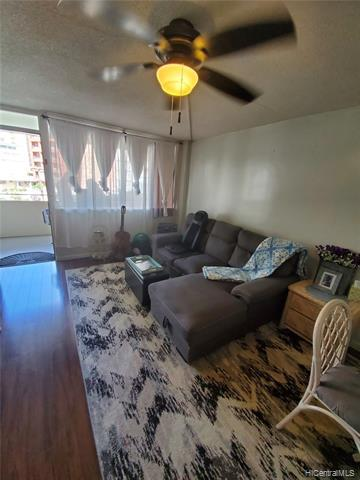 Photo of home for sale at 425 Ena Road, Honolulu HI