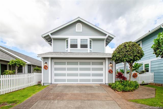 Photo of home for sale at 98-1840 Kaahumanu Street, Pearl City HI