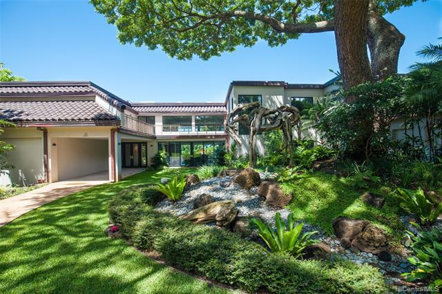 Photo of home for sale at 2549 Tantalus Drive, Honolulu HI