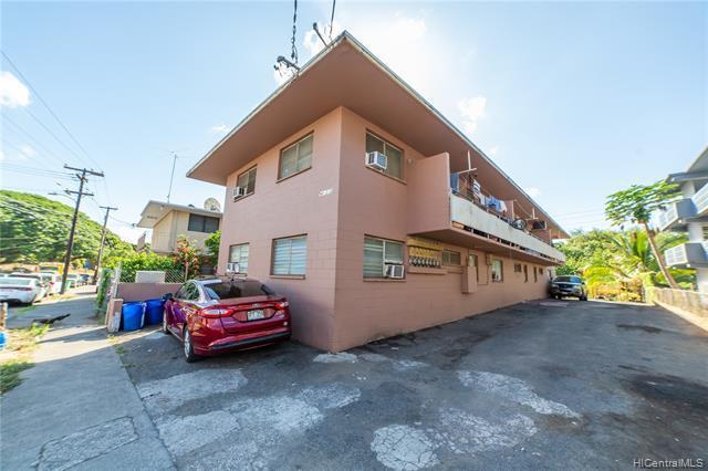 Photo of home for sale at 94-323 Pupuole Street, Waipahu HI