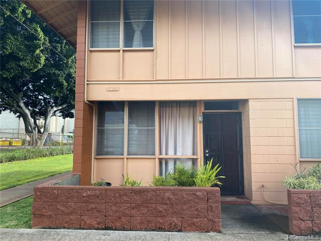Photo of home for sale at 1196 Hoola Place, Pearl City HI