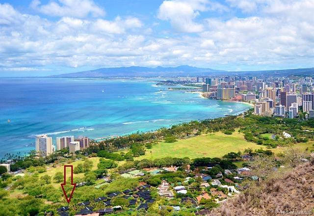 Photo of home for sale at 3022 La Pietra Circle, Honolulu HI